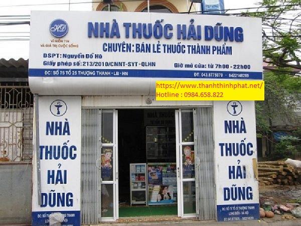 bảng hiệu alu kết hợp mica tiệm thuốc